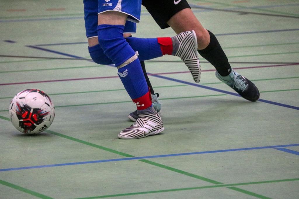 Formación de jóvenes futbolistas a través del fútbol sala.